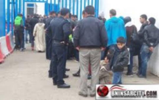 السلطات المغربية تغلق معبر بني انصـار وفرخانة في وجه ممتهني التهريب