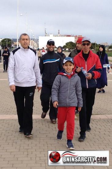 مسيرة رياضية مشيا على الأقدام ببني انصار