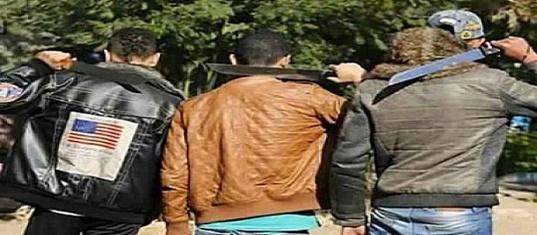 عصابة إجرامية مدججة بالسكاكين تعتدي على مواطن بالناظور