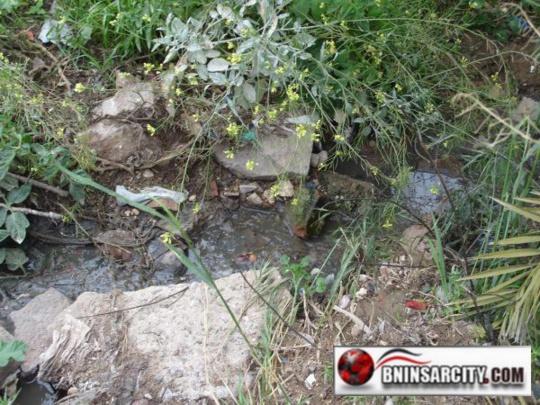 مجلس جماعة بني شيكر يعتدي على البيئة بتوجيه أنابيب المياه العادمة نحو الطبيعة والسلطة المحلية والإقليمية تتفرج/ فيديو