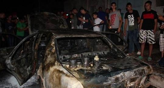 نشوب حريق  في سيارة  على الطريق بين الناظور وأزغنغان، وبالضبط قرب محطة البنزين اجميدار