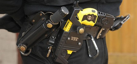 la policía local melillense puede llevar pistolas elécticas táser