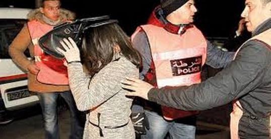 مداهمة فندقا مشبوها بالناظور واعتقال رجال و نساء بتهمة ممارسة الدعارة و الفساد