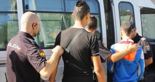 ترحيل آلاف القاصرين المغاربة من إسبانيا إلى بلدهم الأم