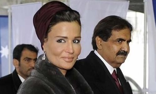كيف اصبحت الشيخة موزة الحاكمة الاولى في قطر؟