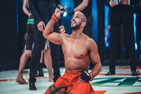 البطل العالمي و المقاتل المغربي الشرس أبو زعيتر  بات يحظى بمكانة خاصة في قلوب محبيه و متتبعيه
