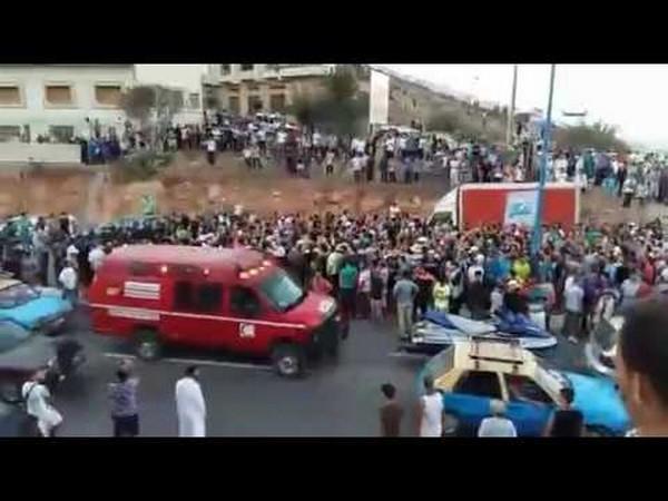 الأمن يمنع بالقوة مسيرة بعد جنازة  الشهيد عماد العتابي بالحسيمة/ فيديو