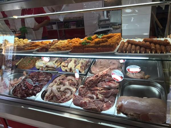 """إفتتاح مجزرة """" الإخوة"""" ببني انصار: المتخصصة في بيع اللحوم الحمراء والبيضاء ومشتقاتهما"""