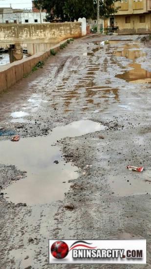 مهزلة البنية التحتية لأزقة و شوارع حي وهدانة ببني انصار