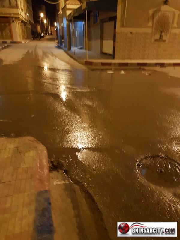 مصلو مسجد النور ببني انصار مستائون من تسربات الواد الحار