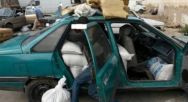 جمارك بمعبر فرخانة: حجز سلع مهربة وبضائع وسيارة مجهولة الهوية