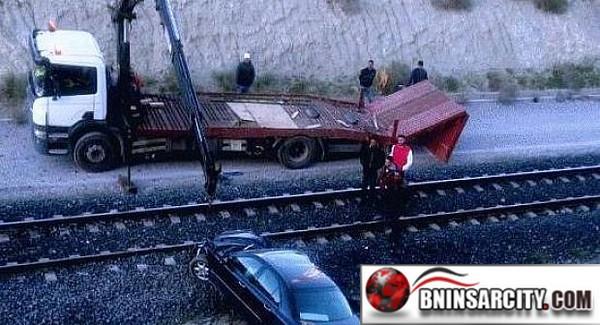 عاجل..   اصطدام قطار بسيارة ضواحي الناظور