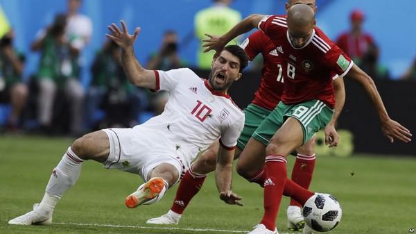 المنتخب  المغربي ينهزم أمام المنتخب الإيراني بهدف نظيف في الجولة الأولى من دور المجموعات ببطولة كأس العالم في روسيا