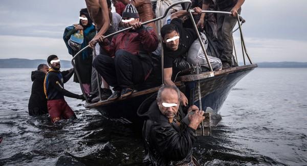 اعتقال  4 مخازنية ضمن شبكة هجرة سرية