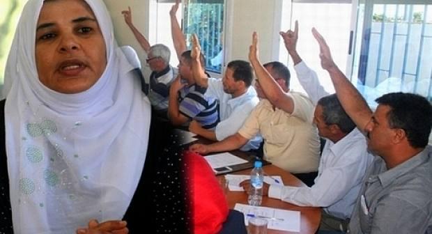 """انقلاب أعضاء مجلس جماعة """"بني سيدال الجبل"""" على  الرئيسة  فاطمة بوحميدي"""