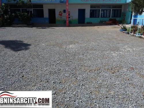 ساحة مدرسة البكري للتعليم العمومي ببني انصار تعاني من الإهمال