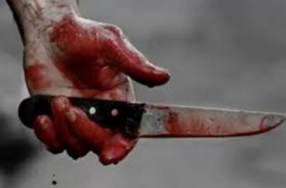 جريمة بشعة.. مقتل سيدة ذبحا بسكين أمام أبنائها الثلاثة