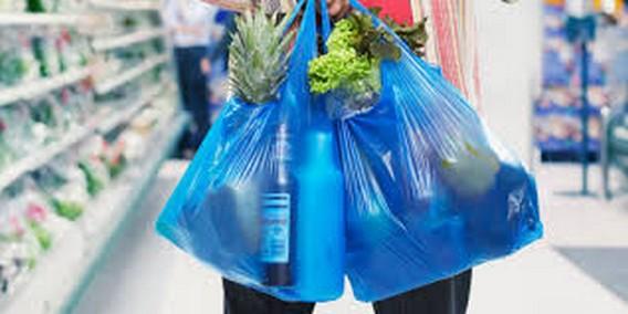 حملات واسعة على المحلات التجارية  ببني انصار لمنع الاكياس البلاستيكية