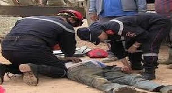 سقوط عامل بناء ونقله في حالة حرجة الى قسم الانعاش بالناظور