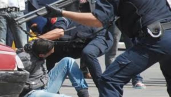 جريمة بشعة: مقتل شخص وإصابة 11 مصابا بينهم شرطي وعون سلطة