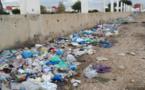 النفايات والروائح الكريهة بمدينة بني انصار ومسؤولينا في الجماعة الحضرية  ما زالو في سبات عميق