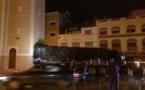 """حادثة سير: إصطدام شاحنة كبيرة بصومعة """"مسجد باصو"""" بالناظور"""