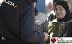 اعتقال رجل أمني إسباني واتخاذ إجراءات تأديبية في حق أربعة آخرين بعد تورطهم بشبكة لتهريب اللاجئين السوريين بالمعبر الحدودي الفاصل بين مدينتي بني انصار ومليلية