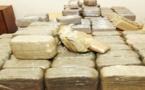 """عناصر الدرك الملكي المرابطة على الطريق الوطنية بين """"إزغنغان"""" و""""سلوان"""" بالناظورتعتقل شخص وحجز خمسة أطنان من النفحة"""