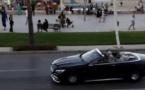 الملك محمد السادس يتجول رفقة الهمة  وسط الحسيمة