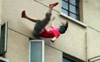 حادث خطير:  سقوط فتاة مراهقة من الطابق الأول بمنزلها بالناظور