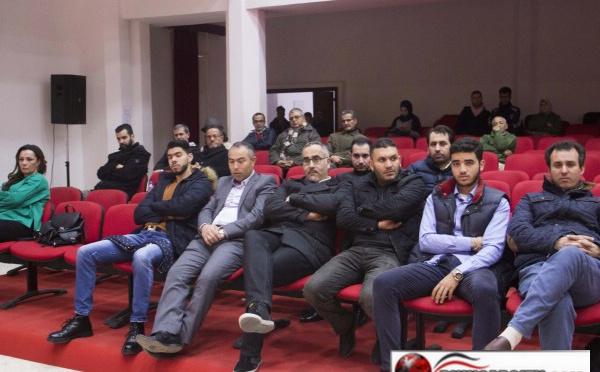 حقوقيون يطالبون بإطلاق سراح المعتقلين السياسيين بالريف  في الدورة الثانية لمنتدى أمازيغ المغرب