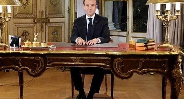 """الرئيس الفرنسي إيمانويل ماكرون """"يعتذر"""" للشعب الفرنسي ويعلن حالة طوارئ اقتصادية بالبلاد"""