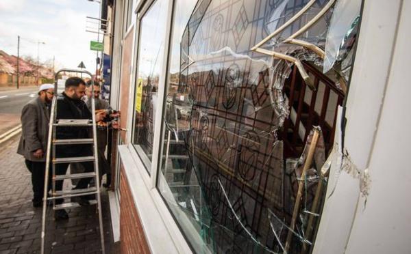 مساجد في بريطانيا تتعرض لهجمات تخريبية/ فيديو