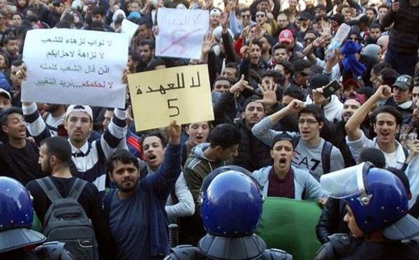 الجزائر.. تجدد المظاهرات المطالبة باستقالة بوتفليقة