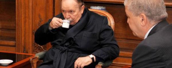 الرئيس الجزائري عبد العزيز بوتفليقة يعلن استقالته من رئاسة  الجمهورية