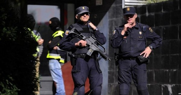 استنفار في اسبانيا.. إنذار بوجود قنبلة داخل برج السفارات