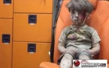 """صورة للطفل الصغيرالسوري """"المصدوم والشارد""""، البالغ من العمر 5 سنوات تصدِم مستعملِي مواقع التواصل الاجتماعيّ/ فيديو"""