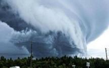 إعصار فلورانس: يخلي نحو مليون شخص من سكان الولايات المتحدة