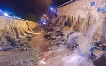 """إنطاع الماء الصالح للشرب ببني انصار وفرخانة بسبب انفجار أنبوب بحي """"ترقاع"""" بمدينة الناظور"""