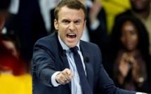 """الرئيس الفرنسي """"إيمانويل ماكرون""""يصف المحتجين بـ """"البلطجية"""" ويؤكد عدم التراجع عن سياسات الحكومة"""