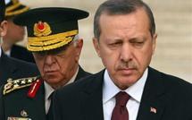 اردوغان يظهر عبر السكايب ويدعو الشعب التركي للخروج للشارع والمطار للرد على الانقلاب